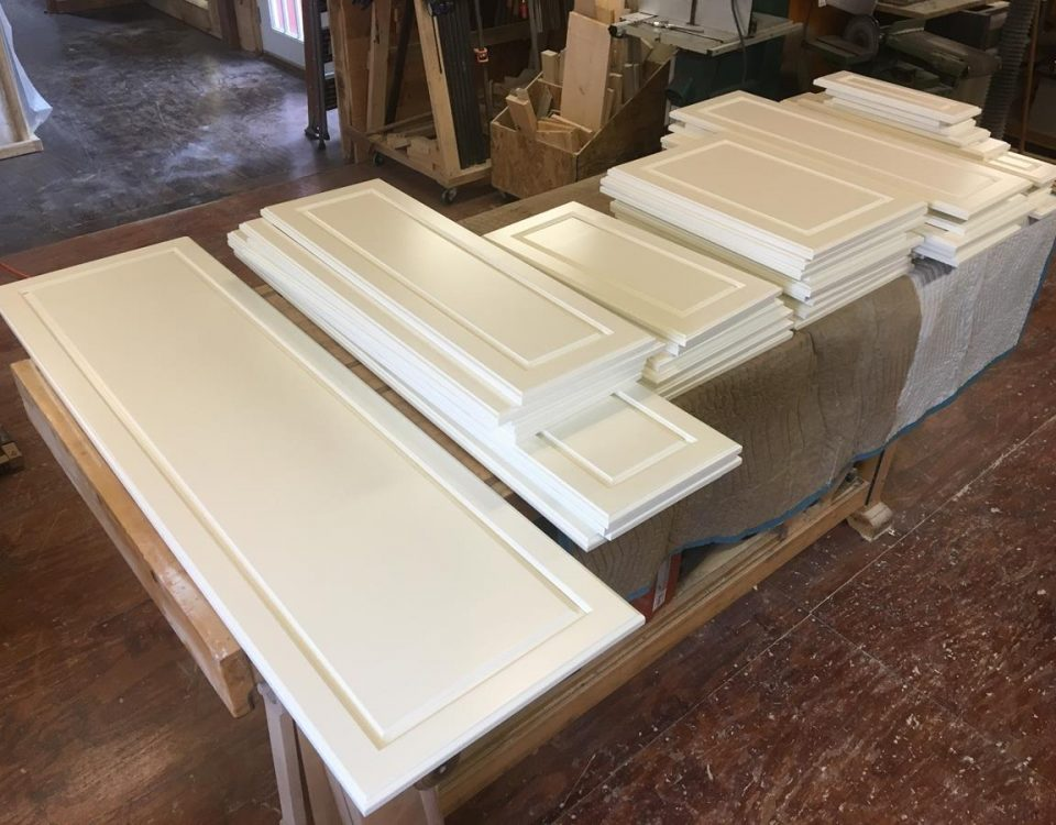 Custom Solid Wood Kitchen Cabinet Doors and Drawers