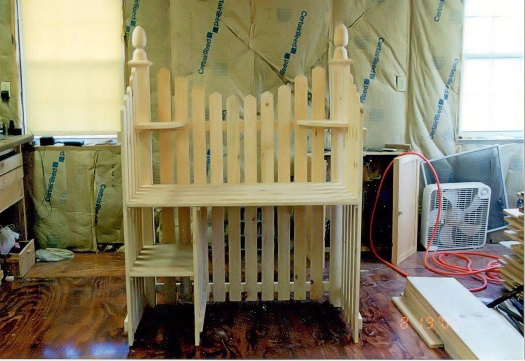 Custom Pickett Fence Desk