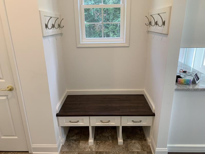 Built-In Forie Bench